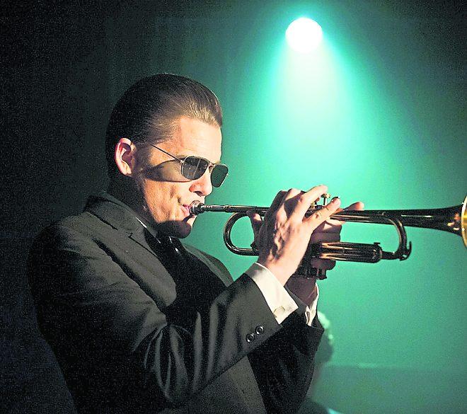 Die Trompete war sein Leben: Ethan Hawke als Chat Baker.  Foto: Alamode Film